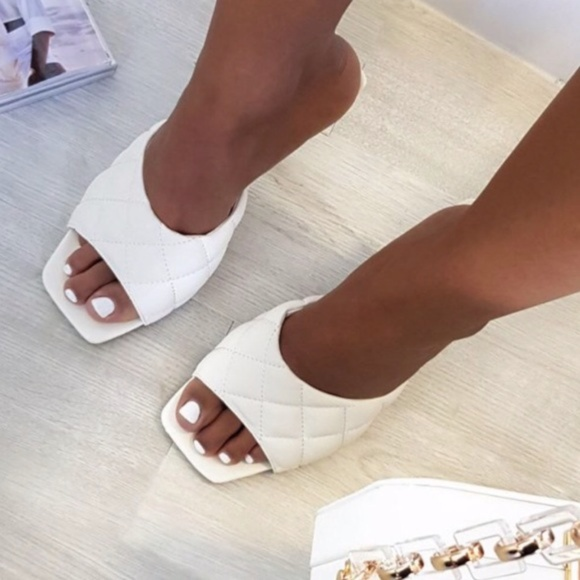 Qupid Shoes - White Quilted Padded Square Toe Kitten Heels Mules